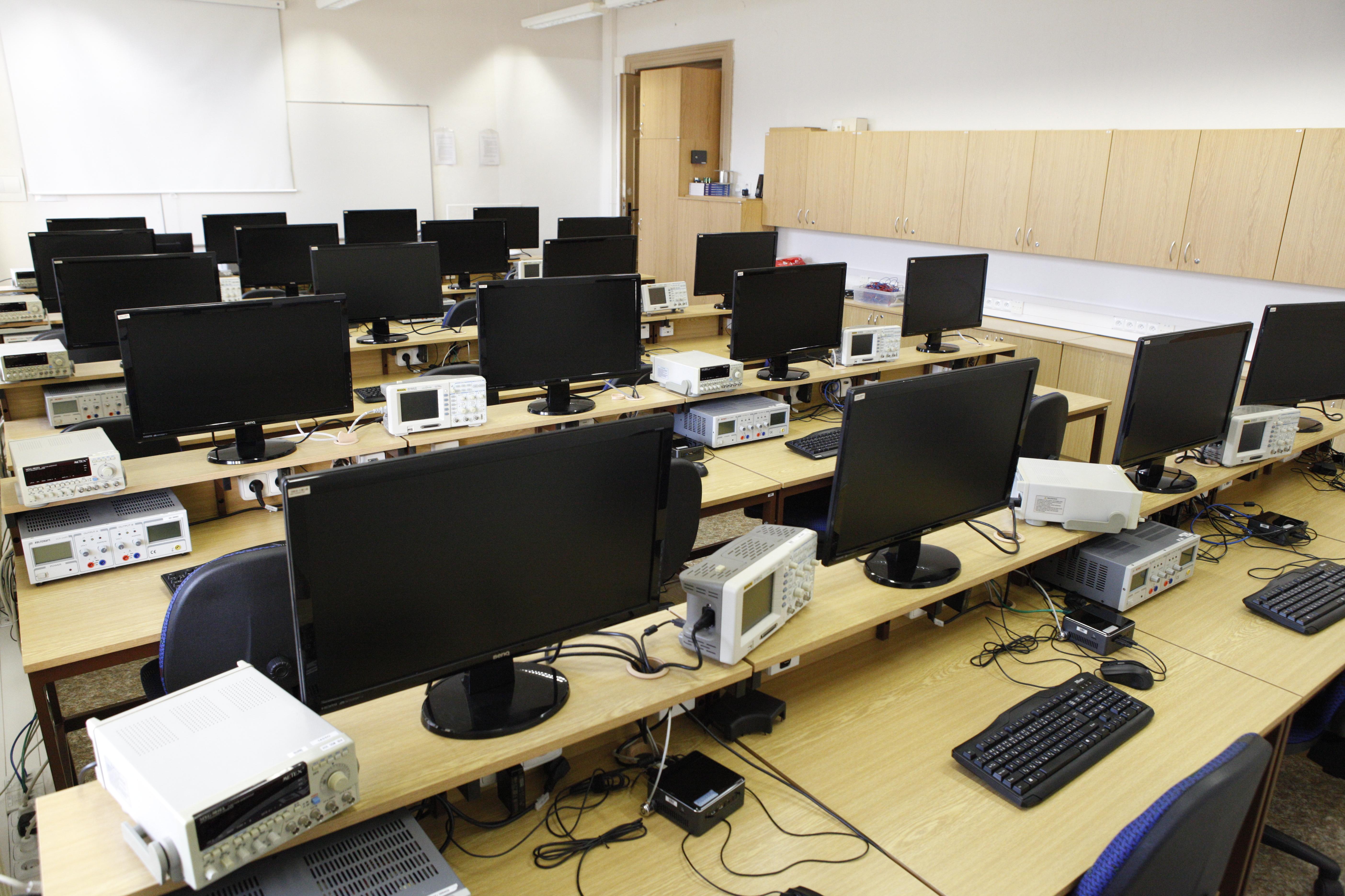 laboratoř automatizace a mikroprocesorové techniky